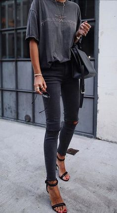 casual trendy outfits 2019 for school outfits, outfits edgy, outfits cute Black Women Fashion, Look Fashion, Winter Fashion, Jeans Fashion, Fashion Spring, Chic Womens Fashion, Trendy Fashion, Spring Outfit Women, Spring Outfits