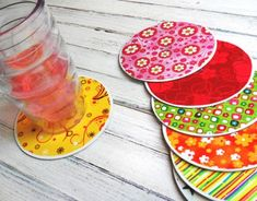 20 Awesome Recycled Crafts with Mod Podge - Mod Podge Rocks If you like using what you have on hand to make craft projects, then you'll love this roundup of 20 Mod Podge recycled crafts. Kids Crafts, Family Crafts, Easy Crafts, Easy Diy, Cd Diy, Cd Recycling, Recycled Cd Crafts, Recycled Glass, Cd Mosaic
