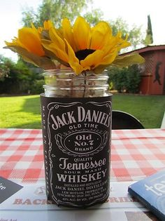 Jack Daniel's Centerpiece 21st Birthday Centerpieces, 50th Birthday Themes, 50th Party, 30th Birthday Parties, Man Birthday, Birthday Ideas, Festa Jack Daniels, Jack Daniels Decor, Jack Daniels Party