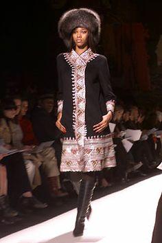 Oscar de la Renta | Fall 2002 Ready-to-Wear Collection | Style.com