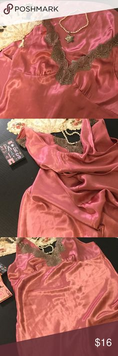 Stunning rose/taupe full length night gown! This beautiful night gown measures Shoulder to hem 44 1/2, waist 19. 18 inches arm pit to pit. Would fit c/d cup size. Etone by sarah richards Intimates & Sleepwear
