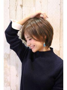 【AXY新宿本店】松戸進也 大人かわいい こなれショートボブ/AXY HAIR&MAKE 新宿本店をご紹介。2018年春の最新ヘアスタイルを100万点以上掲載!ミディアム、ショート、ボブなど豊富な条件でヘアスタイル・髪型・アレンジをチェック。 Haircuts For Medium Length Hair, Medium Hair Styles, Short Hair Styles, Girl Short Hair, Short Hair Cuts, Pixie Hairstyles, Pretty Hairstyles, Hair Arrange, Great Hair