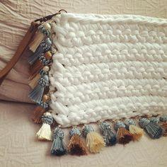 """73 Likes, 6 Comments - Macadamia Republic (@macadamiarepublic) on Instagram: """"Este bolso puede ser tu comodín para este verano. #MacadamiaRepublic #handmade #hechoamano #crochet…"""""""