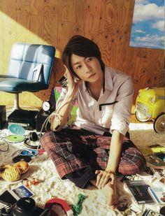 Ninomiya Kazunari, Japan Art, My Sunshine, Boy Bands, Actors, Guys, Aiba, Magazine, Green