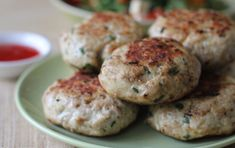 These chicken rissoles are a fast dinner for when you are in a hurry. They are packed full of flavour and we reckon the whole family will love 'em. Easy Chicken Recipes, Baby Food Recipes, Cooking Recipes, Meal Recipes, Lunch Recipes, Delicious Recipes, Recipies, Yummy Food, Family Meals