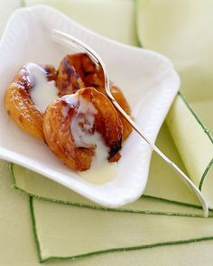 Try a slimmed-down Dulce de Leche with Roasted Apricots, Wholeliving.com #healthy #desserts