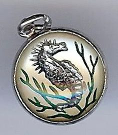 VINTAGE STERLING SILVER PAINTED SEAHORSE UNDER GLASS BUBBLE CHARM
