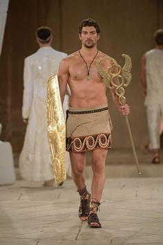 Fashion Models, Fashion Show, Mens Fashion, Fashion Outfits, Fashion Styles, Moda Men, Greek Fashion, Greek Inspired Fashion, Men Wearing Skirts