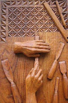 Wood Carving Art carving on wood Chip Carving, Wood Carving Art, Wood Projects, Woodworking Projects, Woodworking Inspiration, Art Carved, Wood Stone, Wood Creations, Into The Woods