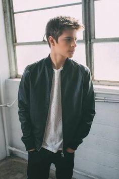 Corey fogelmanis / Orion Lucio Zabini / Orion_Z / 16 años / Slytherin / mejor amigo de Daphne y enamorado de Rox / nuevo Portero