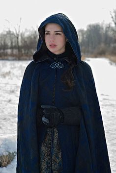 "I love, love, LOVE this blue cloak Mary is wearing in ""Tasting Revenge"". #Reign"