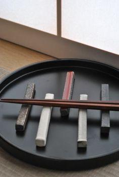 ceramic chopstick rest (by Akira Okuda)