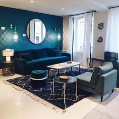 Blue Living Room Decor - What color rug goes with blue couch? Blue Living Room Decor - What is a good accent color for light blue? Blue Living Room Decor, Home Living Room, Living Room Designs, Art Deco Interior Living Room, Blue Rooms, Apartment Interior, Apartment Design, Room Colors, House Design