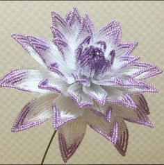 Seed Bead Flowers, French Beaded Flowers, Victorian Flowers, Crochet Bird Patterns, Beaded Flowers Patterns, Beading Patterns, Flower Crafts, Diy Flowers, Crochet Flowers