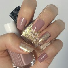 I mentioned this color combo in my new favorites video! Isn't it gorgeous?! #essie lady like and #formulax love chemistry. This is two coats of both colors.