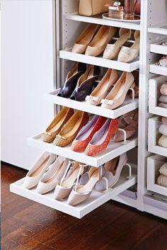 Des tiroirs spécialement pour des chaussures