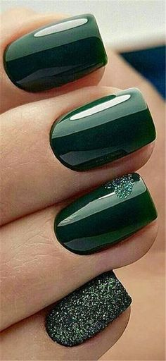 Sensational Winter Nail Colors to Make You Feel Warm Latest Fashion Trends f. , Sensational Winter Nail Colors to Make You Feel Warm Latest Fashion Trends f. Stylish Nails, Trendy Nails, Fancy Nails, Cute Nails, Hair And Nails, My Nails, Green Nail Art, Dark Green Nails, Nagellack Trends