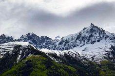 #aguilledumidi #alps #argentiere #passy #ontheroad #valleeblanche #skiing #snowboarding #chamonix #megeve #dreamhuge #mountains #travel #france #nikon #sunset #travelling #blue #tellementbon #montblanc #snow #powder #frenchalps #sun #ski #scenery #stunning #megève #hiking by tripelonia_trips