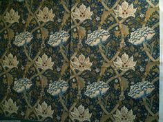 VINTAGE 1983 MORRIS & CO 'WINDRUSH' FLORAL UPHOLSTERY COTTON FABRIC
