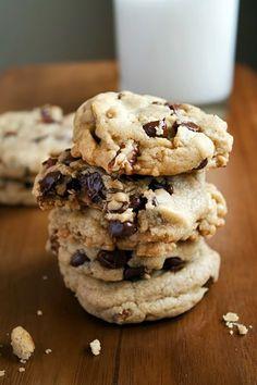 Kitchen La Bohème: THE BASICS   Chocolate Chip Cookies - vegan