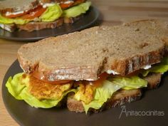 Sandwich gourmet de pollo al curry