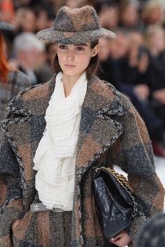 392c9b5255 2148 Best Chanel Jacket images in 2019 | Chanel fashion, Cardigan ...
