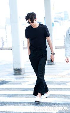 Korean Celebrities, Korean Actors, Celebs, Lee Dong Wook, Ji Chang Wook, Goong Yoo, Goblin Gong Yoo, Oppa Gangnam Style, Yoo Gong