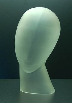 Hollow blown satin girl's head, design Lucienne Bloch 1929, execution by Leerdam / Holland