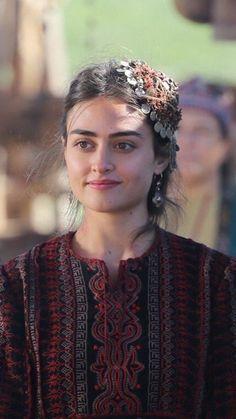 Watch all episodes in Urdu Dubbed Turkish Women Beautiful, Beautiful Muslim Women, Turkish Beauty, Beautiful Hijab, Cute Girl Pic, Cute Girls, Arabian Beauty Women, Beauté Blonde, Movies