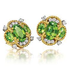 VERDURA - Quatrefoil Earclips - Peridot, diamond, platinum and gold