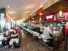 26 Classic Los Angeles Diners