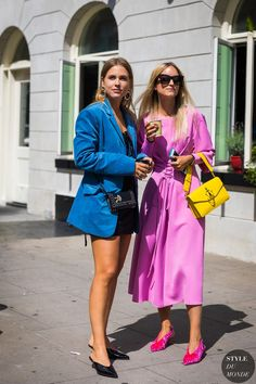 Sabrina Meijer and Charlotte Groeneveld by STYLEDUMONDE Street Style Fashion Photography_48A2669