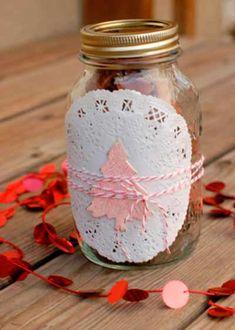tarro de cristal decorado, utilizado para envolver regalos de navidad