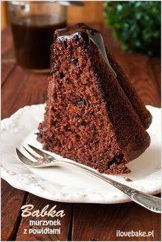 Chocolate bundt cake with plum jam (in Polish) Chocolate Pancakes, Chocolate Bundt Cake, Cookie Recipes, Dessert Recipes, Russian Cakes, Delicious Desserts, Yummy Food, Chocolate Belga, Polish Recipes