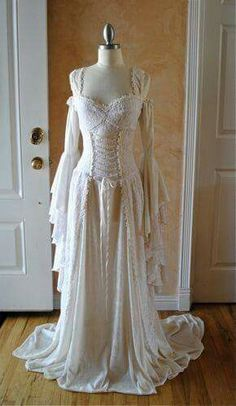 Medieval or Renaissance Wedding Gown Vintage Dresses, Vintage Outfits, Vintage Fashion, Vintage Corset, Fantasy Wedding, Pagan Wedding, Gothic Wedding, Medieval Dress, Fantasy Dress