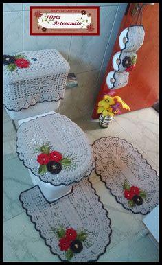 Ola pessoal!!! Mais um trabalho feito com os excelentes materiais do nosso parceiro Textil Sao Joao. Jogo de banheiro 5 peças com aplic...