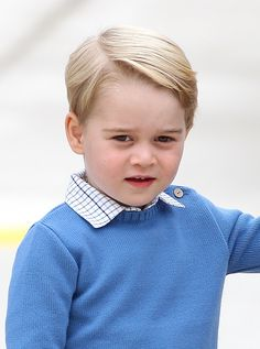 Prince George of Cambridge arrives at the Victoria Airport on September 24 2016 in Victoria Canada Prince William Duke of Cambridge Catherine Duchess...