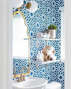 Bright Wallpaper, Lip Wallpaper, Wallpaper Samples, Guest Bathrooms, Small Bathrooms, Bathroom Ideas, Expensive Wallpaper, Powder Room Design, Dining Room Walls