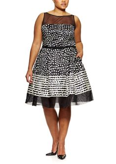 On ideel: TAYLOR Plus Metalic Jacquard Fit and Flare Dress