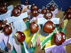 Conkers, Arts And Crafts, Diy Crafts, Nature Crafts, Caramel Apples, Acorn, Cherry, Fruit, Veronica