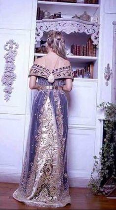 Algerian fashion: Wahrani dress