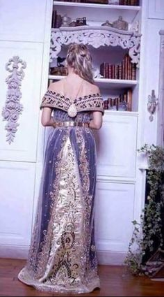 Algerian fashion: Wahrani dress