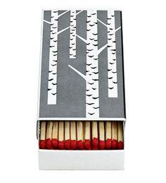 """""""Takka luo tunnelmaa"""" jutusta bongasin nämä hienot tulitikut! Koivu-takkatikut 6,80 e, Lapuan Kankurit."""