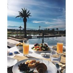 Photo by @debiflue #RoyalPalm #Marrakech #Morocco #Bchotels #LeadingHotels #resort #golfcourse #spa #AtlasMountain Visit Morocco, Marrakech Morocco, Palms Hotel, Leading Hotels, Brunch, Alcoholic Drinks, Spa, Table Decorations, Instagram