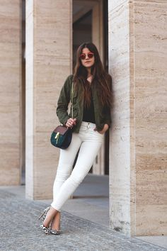 white skiny jeans with military jacket