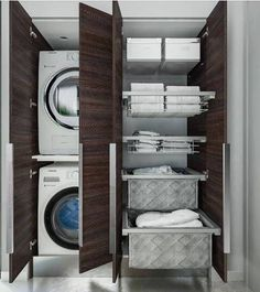 porta lavatrice e asciugatrice ideabagno Laundry Room Organization, Laundry Room Design, Garage Laundry, Dressing Room Design, Home Reno, Closet Space, Home Hacks, Small Bathroom, Bathrooms