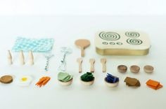 Is your child obsessed with miniatures? Found objects  become tiny treasures with this DIY... and it all fits into a mint tin! #diy #miniatures #upcycle