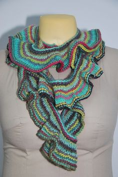Ravelry: Semi Curl Scarf pattern by Cindy Kuo.