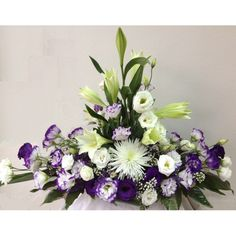 Contemporary Flower Arrangements, Spring Flower Arrangements, Flower Arrangement Designs, Flower Centerpieces, Spring Flowers, Flower Designs, Grave Flowers, Altar Flowers, Cemetery Flowers