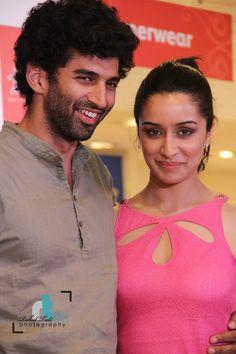 The upcoming stars of Bollywood Aditya Roy Kapoor and Shraddha Kapoor